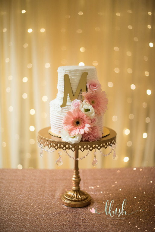 Cake Stands & Flowers by Boise Events