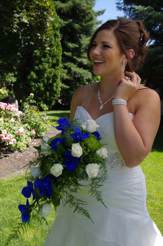 Bride in Eagle Idaho with custom bouquet