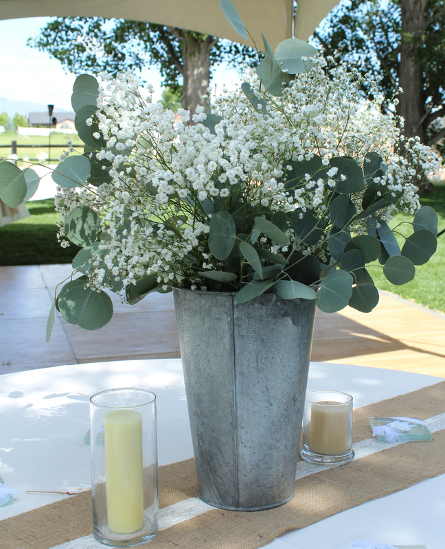 Table Setting with Shabby Chic Flower Arrangement