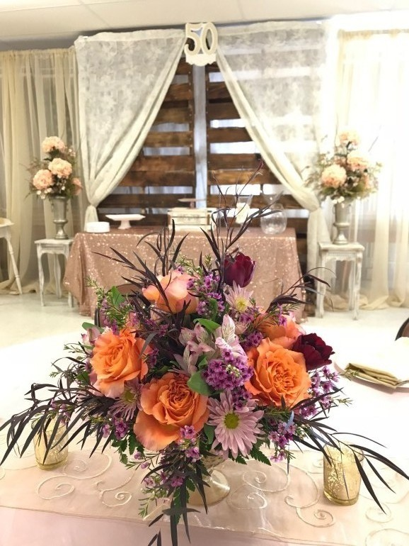 Pallet Walls, Specialty Curtains, & Flowers by Boise Events